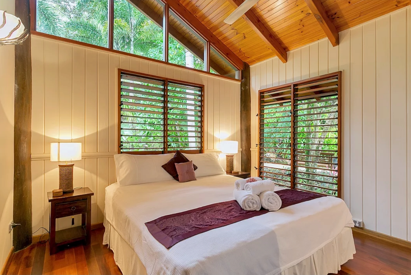 Master Bedroom - luxury in the treetops