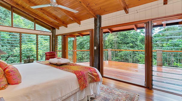 luxury-master-bedroom-in-the-rainforest-retreat-wanggulay-1